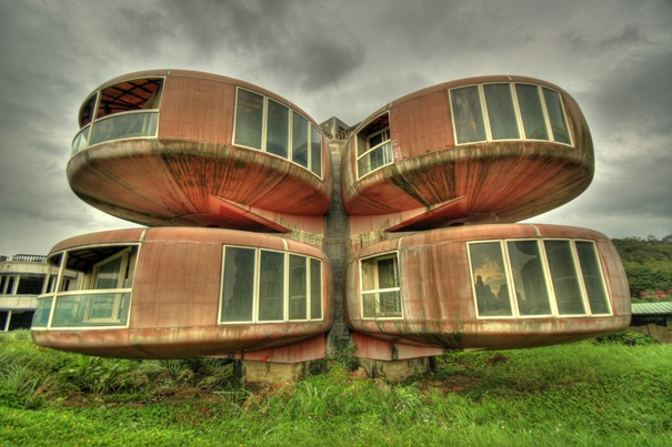 Top-most-Amazing-Unique-Creative-and-Beautiful-Buildings-Design-by-mydesignbeauty-27