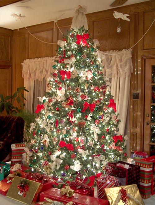 80 most beautiful christmas tree decoration ideas part for Small designer christmas trees