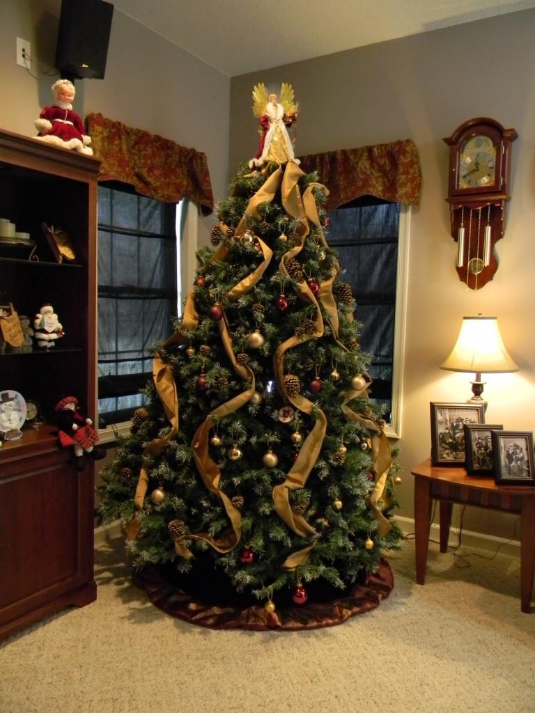 christmas-tree-decoration-ideas-by-mydesignbeauty-81